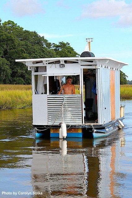 Life in Salt: Dimitri Cherny. Thoughts from a Tiny Houseboat – Off the Grid and On the Water