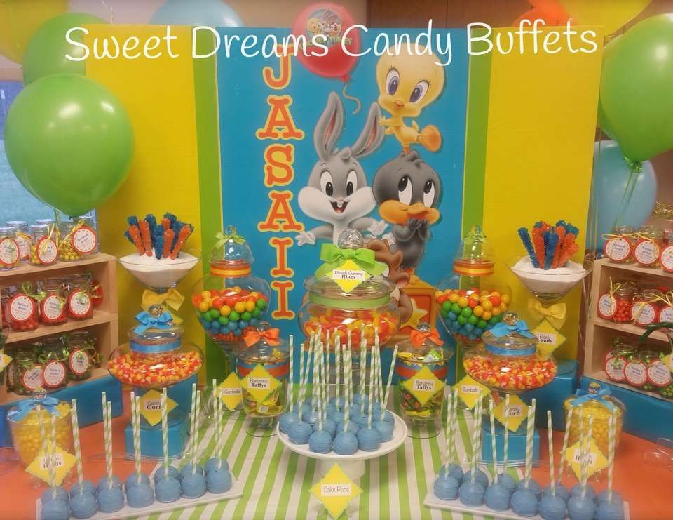 Image gallery looney baby shower theme for Baby looney tune decoration