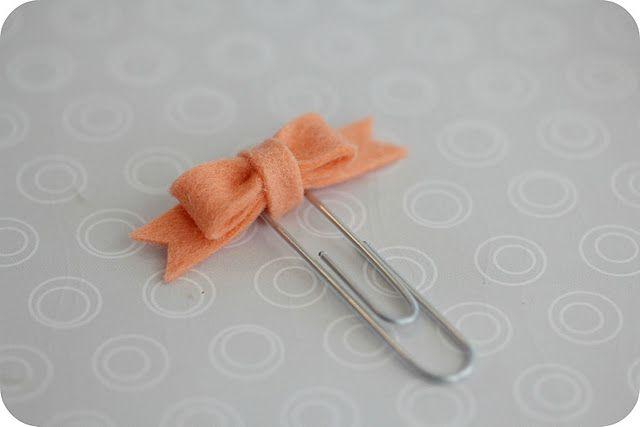 easy felt bookmark bows