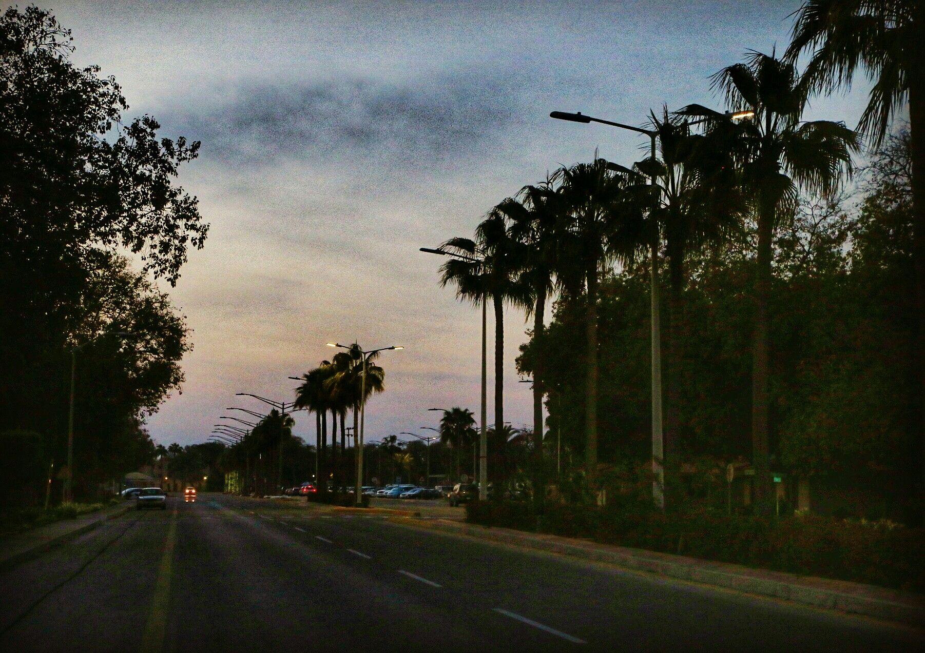 لحظة غروب راس تنورة Country Roads Photo City