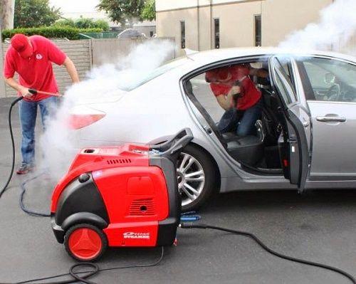 Vì sao bạn nên sử dụng chất tẩy rửa chuyên dụng cho xe hơi