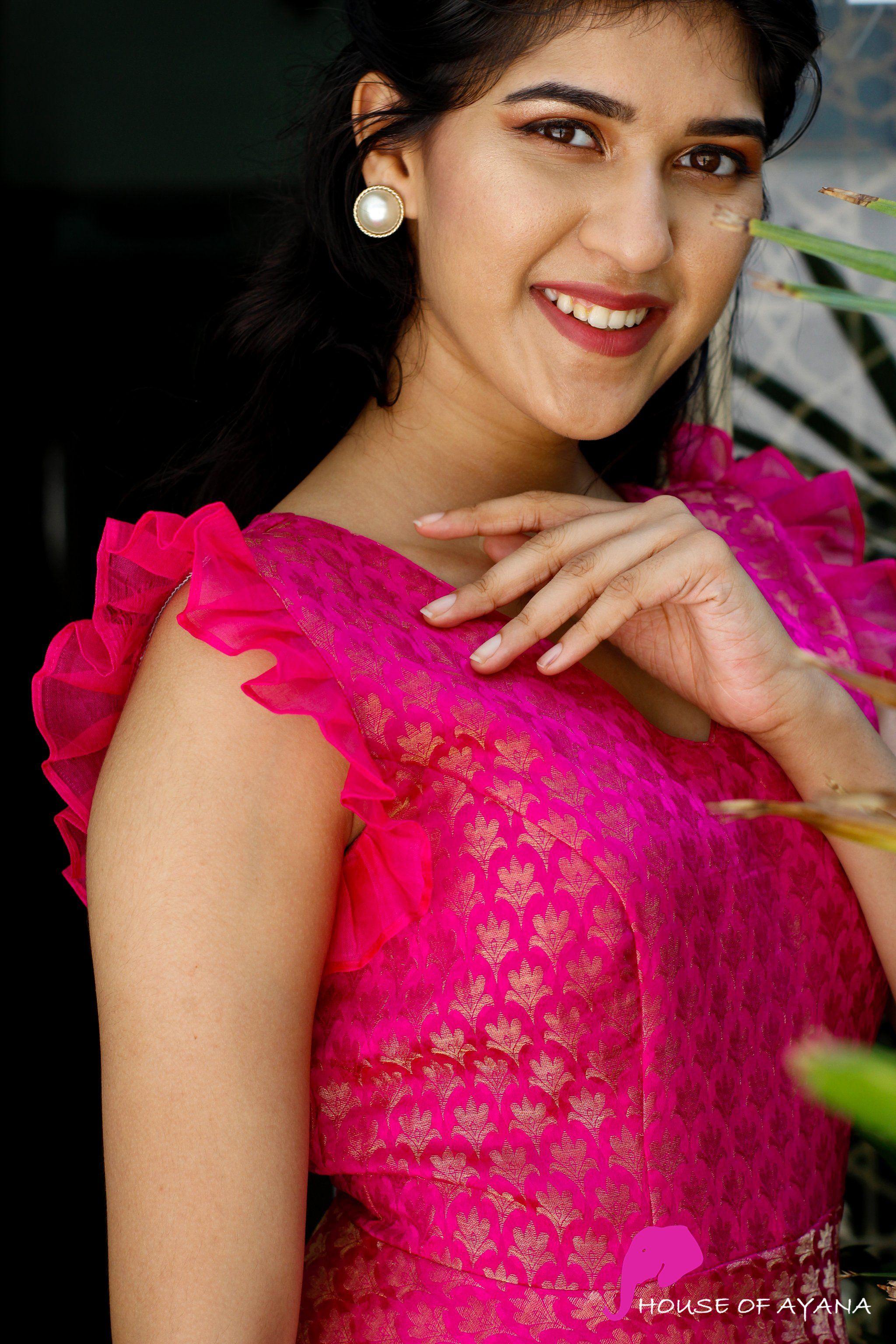 Pin By Sai Deepthi On Long Kurti Designs In 2020 Long Dress Design Sleeves Designs For Dresses Dress Neck Designs