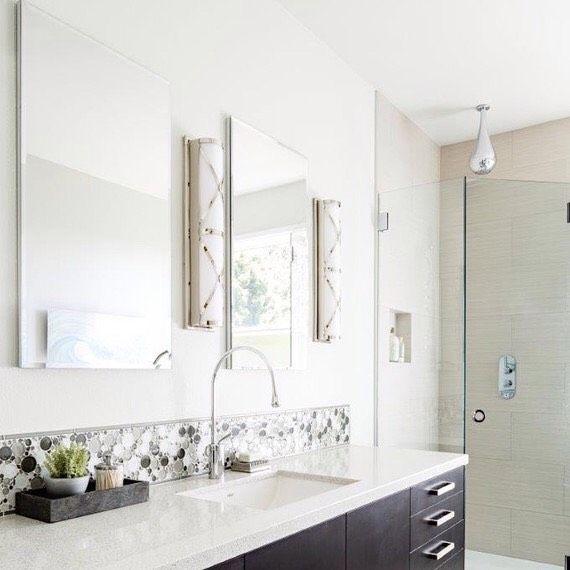7 Simple Recipes To Replace Your Bathroom Essentials Modern Master Bathroom Top Bathroom Design Bathroom Renovation Cost