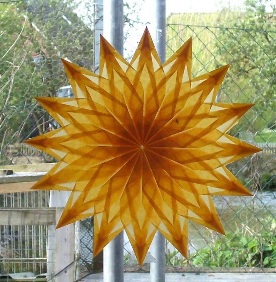 Nach Anleitung von Frederique Gueret  Stars  Pinterest  Origami