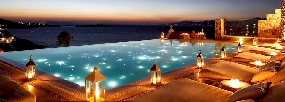 Luxurious Infinity Pool