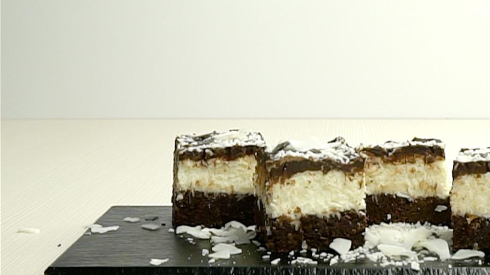 Schoko Kokos Brownies Rezept Kokos Brownies Brownies Und Schoko