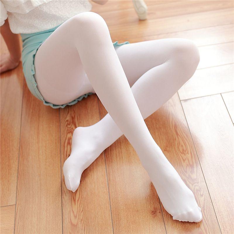 Сексуальные женские коленки в колготках