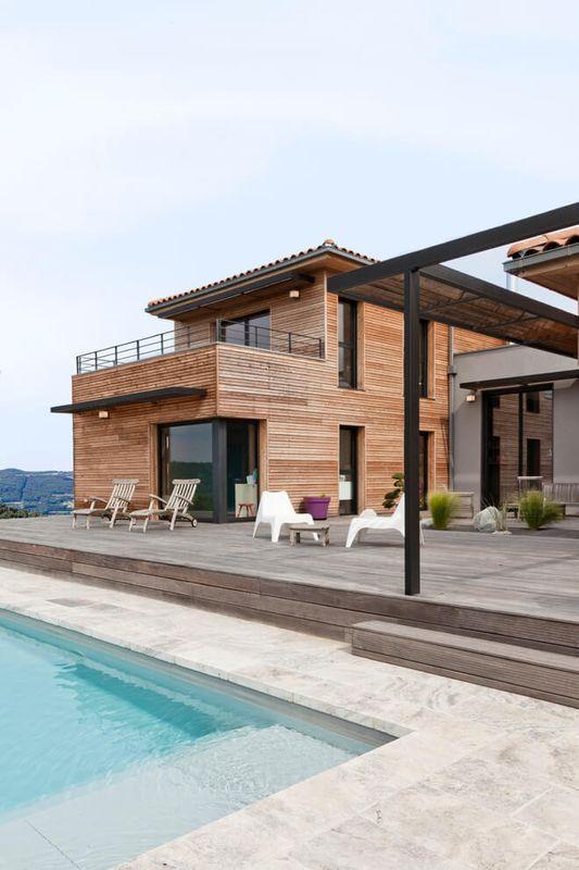 façade terrasse et piscine - House-in-Lyon par Damien Carreres - Idee Facade Maison Moderne