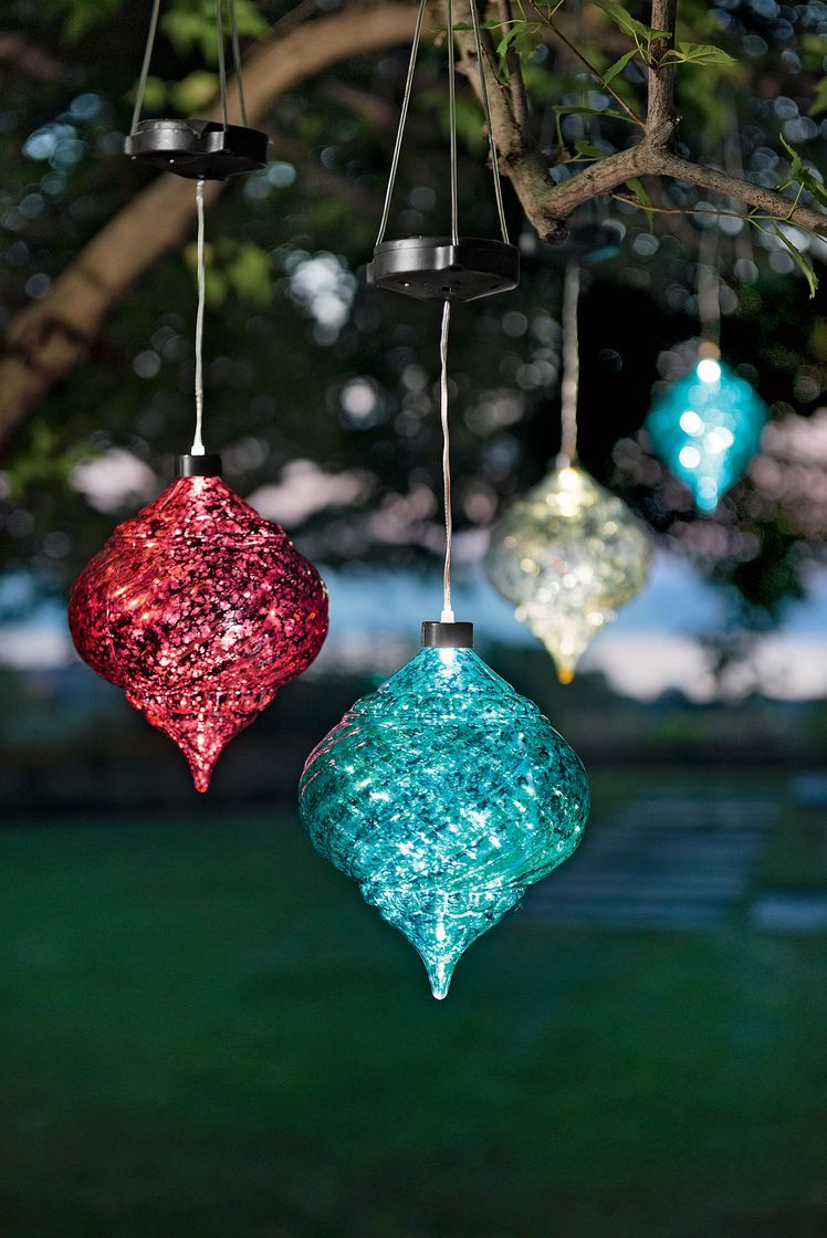 Solar powered christmas decorations for Outdoor christmas balls that light up