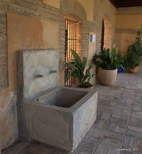 Carmen Del Aljibe Del Rey High Walls Outdoor Decor Patio