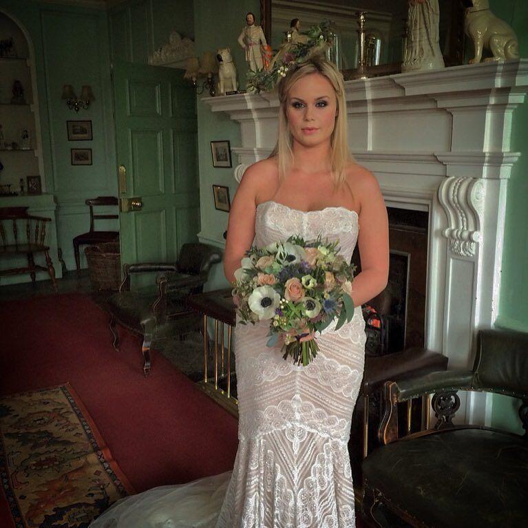 Had a great day @bishtonHall with  @lorigbridal @immogenclaire @nettgray @pumpkineventsLtd @carolinekent.mua so good to finally meet you all   If your getting married take a look at http://ift.tt/18mrB6p  Or http://ift.tt/1npS6PW  #wedding #bride #bouquet #weddingideas #bride2be #engaged #wedspiration #weddingdecor #photooftheday #tbt #love #BrideToBe #flowers #soloverly #weddingFlowers #shabbyChic #inspiration #instagood #derbyshire #picoftheday #weddingplanning #avantgarden #centrepiece…