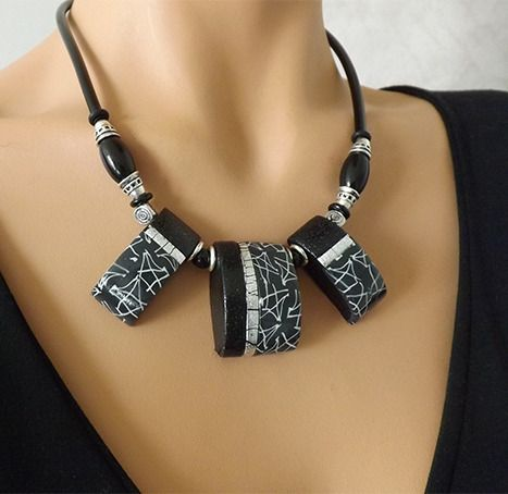 collier noir et gris au motif marbr moderne et l gant collier artisanal par vilicreation. Black Bedroom Furniture Sets. Home Design Ideas