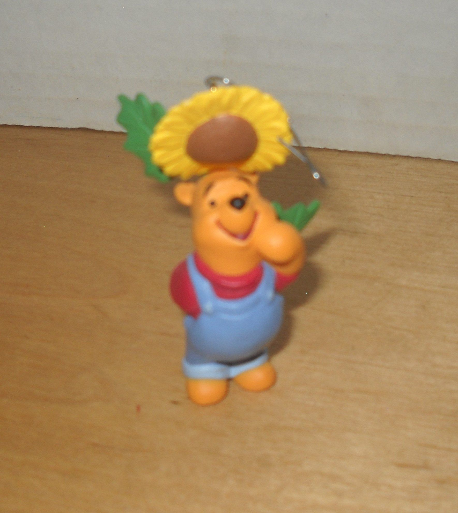 Christmas tree ornament Hallmark Disney Winnie the Pooh bear sunflower 2 1/4 tall #sunflowerchristmastree