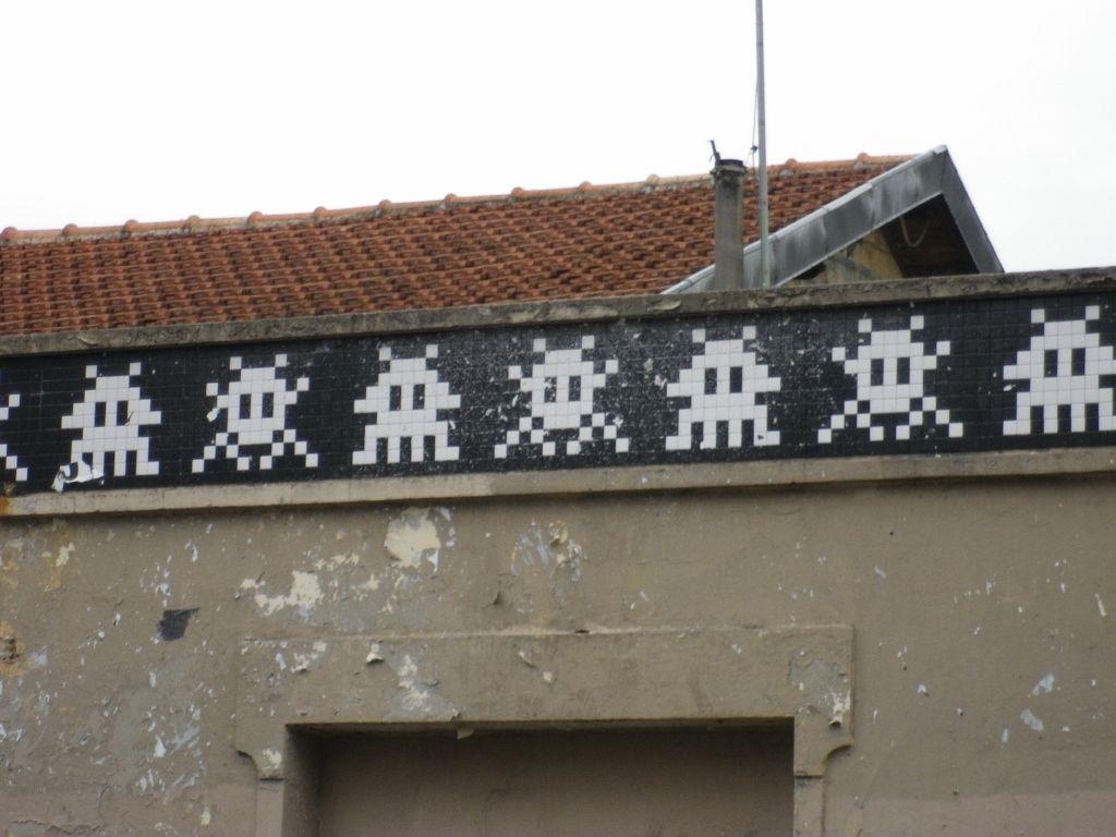 Space Invader - Paris 20, rue de Bagnolet