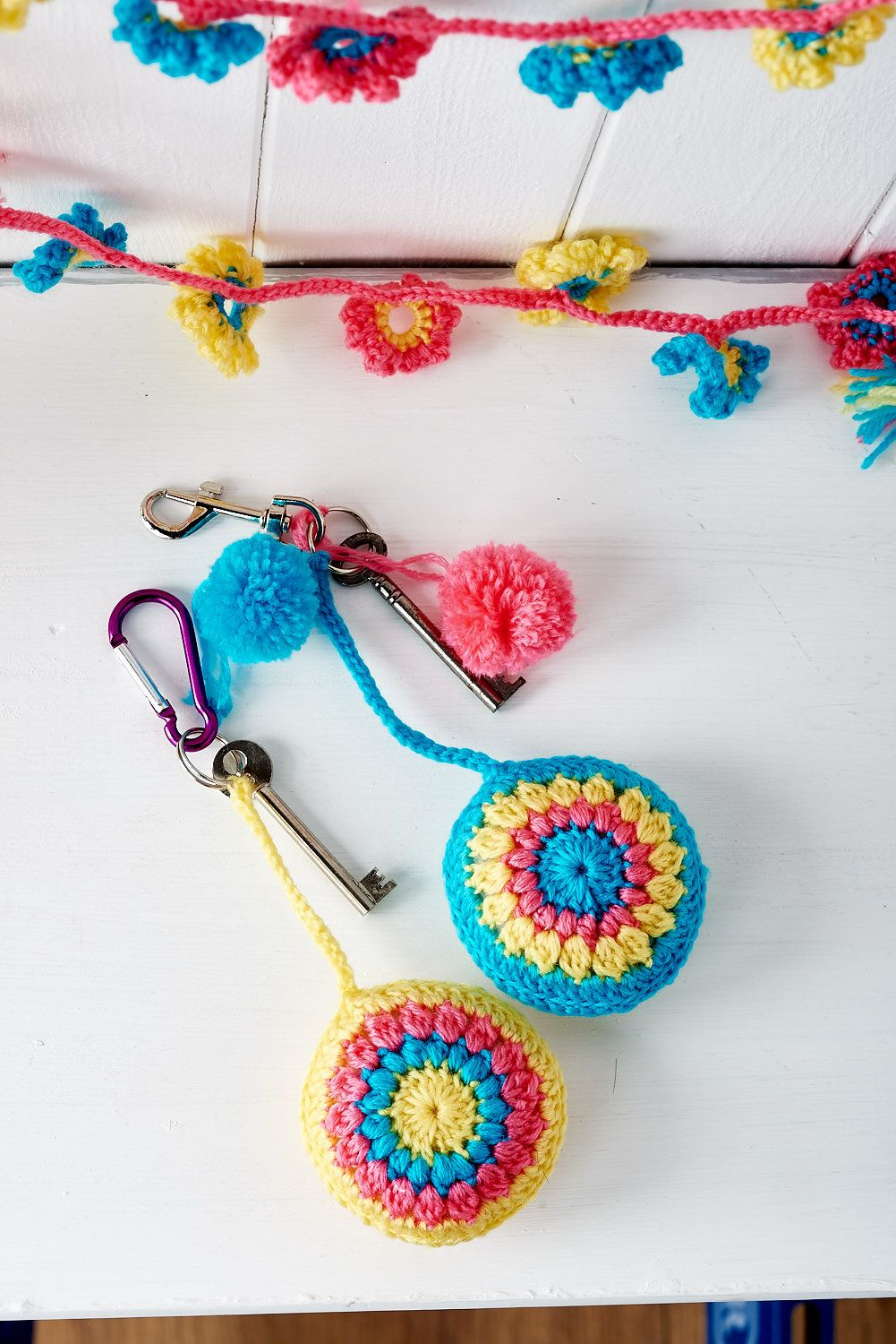 Crochet bonus makes from Homemaker Magazine issue 35 - free pattern - key ring, thanks so xox ☆ ★   https://www.pinterest.com/peacefuldoves/