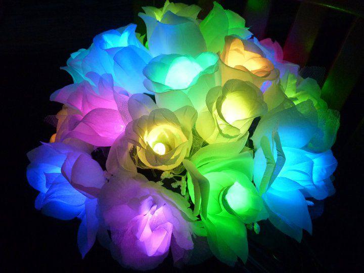 Make a diy bouquet full of led lights diy led light diy for Light up flower lamp