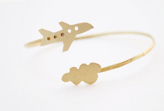 Brass bracelet travel bracelet hand cut por VictoriAtelier en Etsy, $27.00