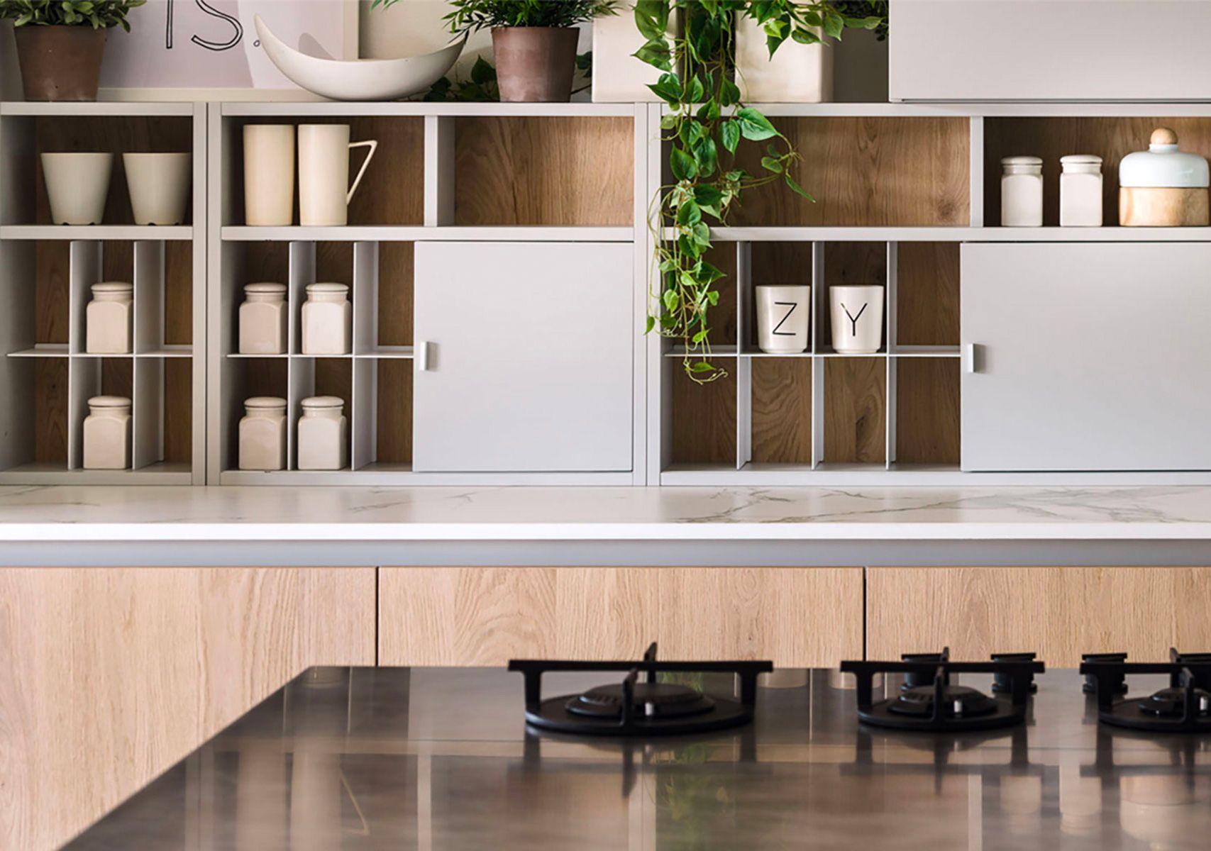 Binnenkijker Joanna Laajisto : Zecchinon cuisine pose et fabrication de cuisine haute qualité et