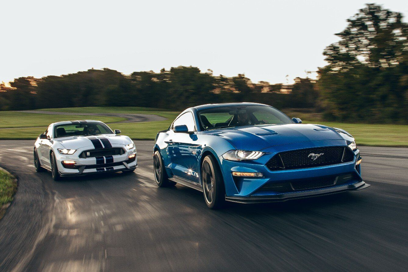 2019 Ford Mustang Gt Performance Pack Level 2 Vs 2019 Ford Mustang