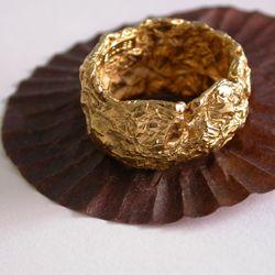 Hanan Emquies -- «A Girls Best Friend» 18k gold rings