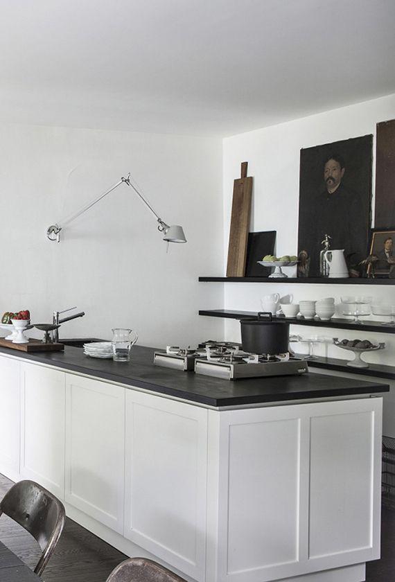 Atmospheric home with industrial rustic charm Casas italianas - cocinas italianas