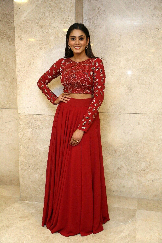 Sana Makbul   Fashion, Academy award dress, Formal dresses long