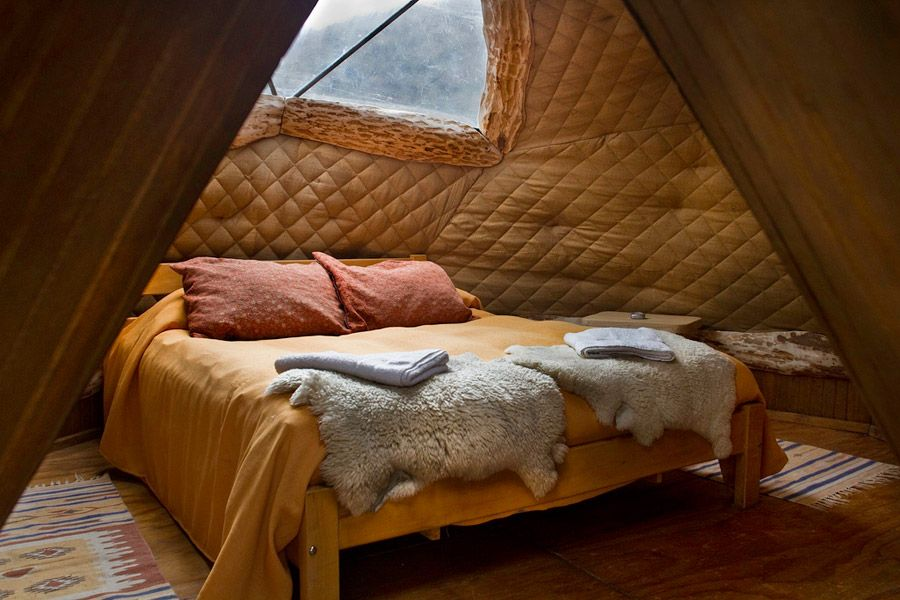 geodesic domes located at ecocamp in torres del paine national park, chile. photos by cascada expediciones. THAT BED.