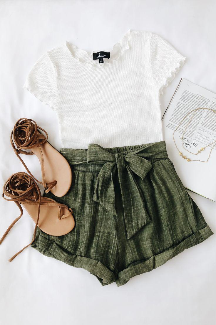 Rachael White Knit Lettuce Hem Tee