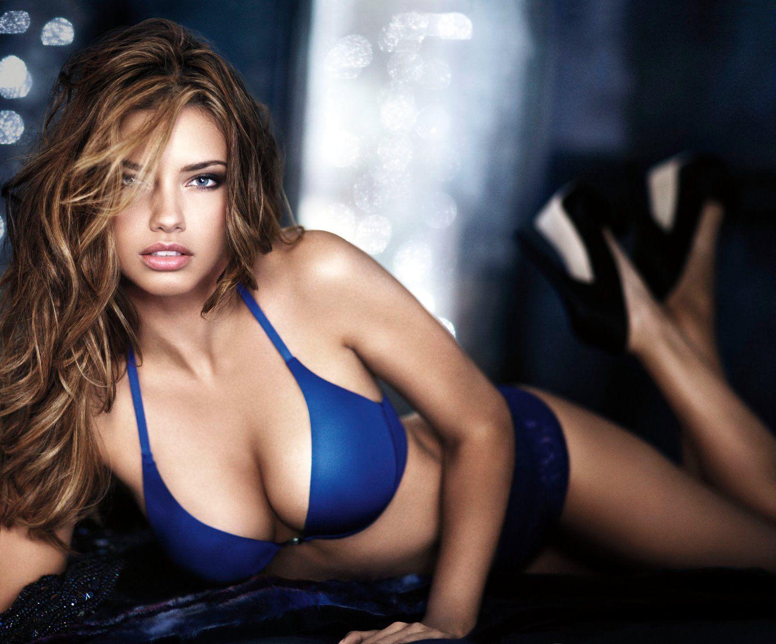Paris hilton boobs nude