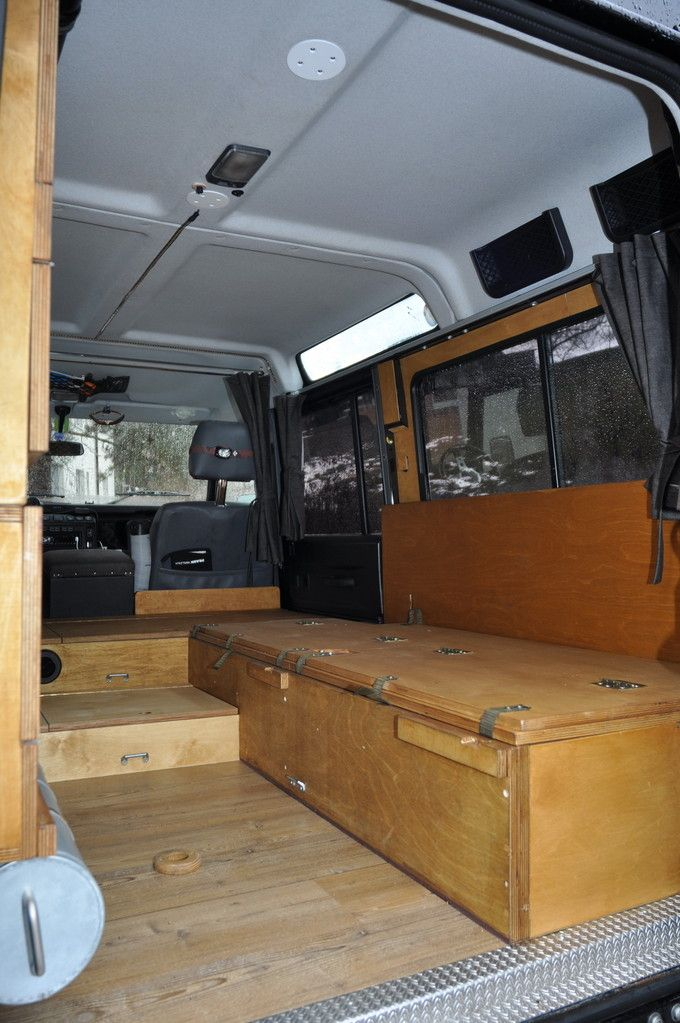 dokumentierung innenausbau aus holz f r den land rover. Black Bedroom Furniture Sets. Home Design Ideas