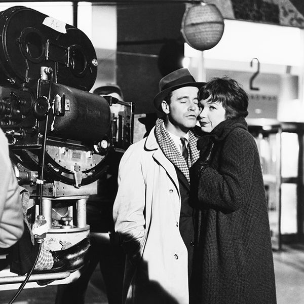Shirley Maclaine The Apartment: Jack Lemmon And Shirley MacLaine On The Set Of The