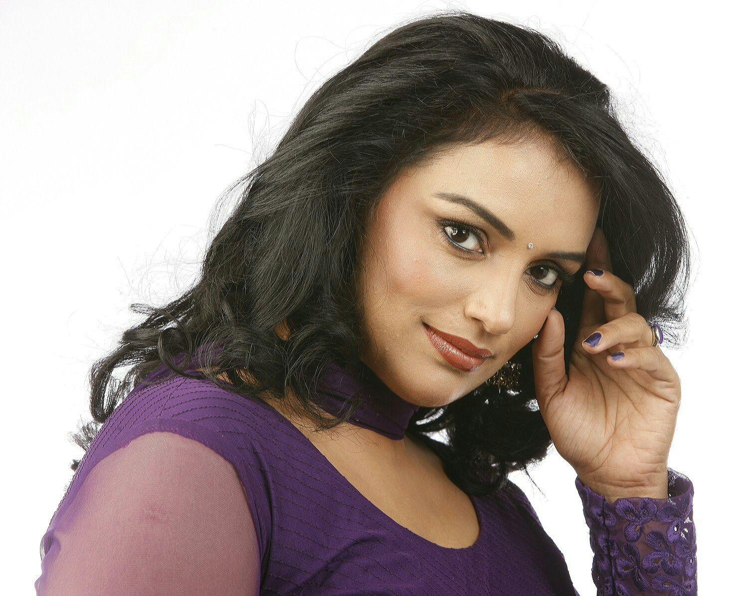 Vanitha shoot Beautiful bollywood actress, Beautiful