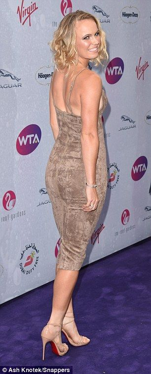 Courting Attention Caroline Wozniacki Flaunts Sideboob Caroline Wozniacki Heather Watson Heather Watson Tennis