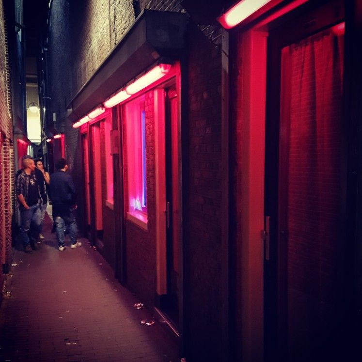 The Narrowest Alley Of Amsterdam Is Located In The Heart Of The