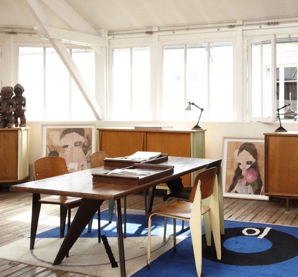 #interiors #interiordesign #design #prouve #perriand #lecorbusier #modernism #midcenturyfurniture #midcenturymodern #frenchmodernism #midcenturystyle #eileengray #architecture #homedecor #decor #lifestyle #instadaily #inspiration #photo @a_gaut via @bradleyseymour