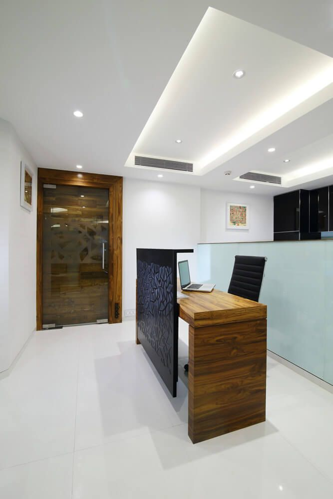 reception counter at nariman point design by best office interior