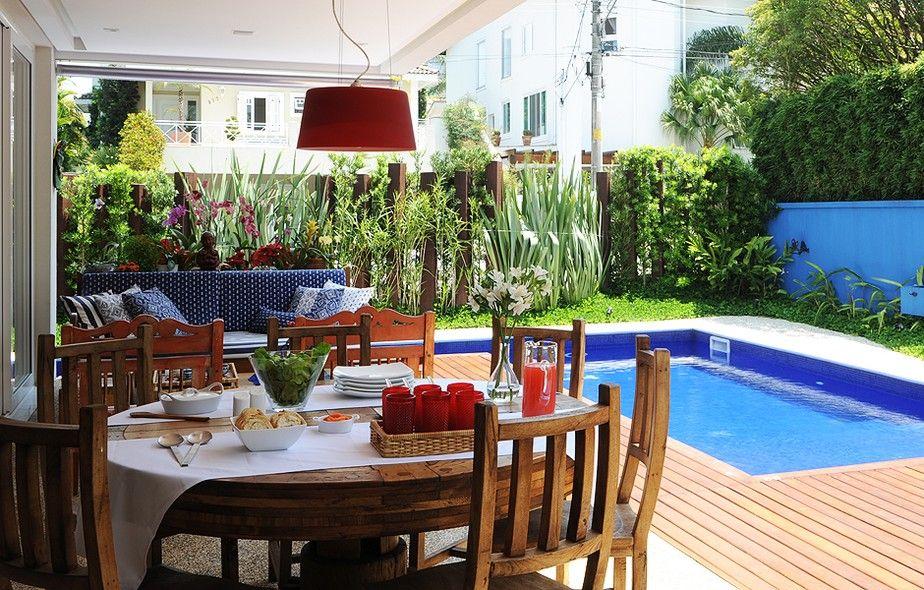 Área externa colorida Minha varanda Pendente vermelho, Areas externas e Decoraç u00e3o de casa -> Decoracao De Area Externa Com Piscina