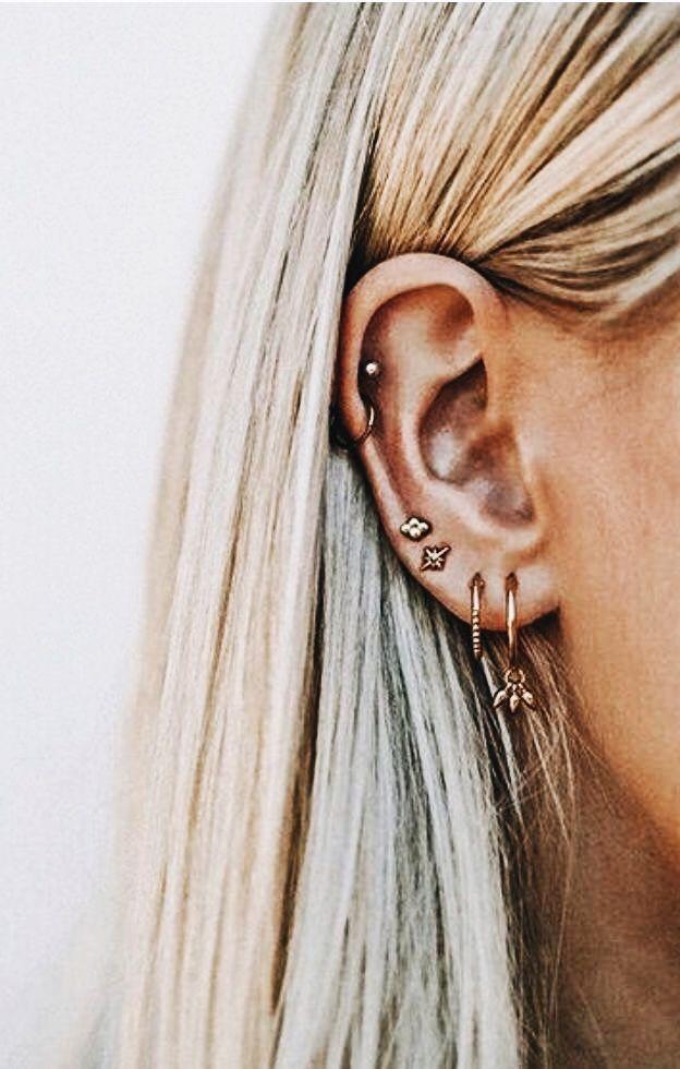 c4884733031 Pin de Yasmin Ferreira em piercing na orelha