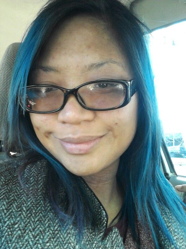 New year new 'do! Thank you Elise! I love #Grasplan to get my hair done. It's #ecofriendly and the owner always plays 80s rock music. My fave! :) #bluehair #manicpanic #haircut #layers #cut #shaggy Feeling like a #rockstar! #bareface #love #smile