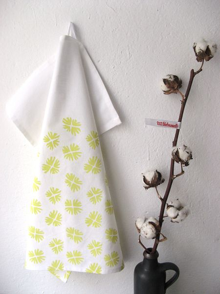 Geschirrtuch aus Biobaumwolle in Gelb von laKattun auf DaWanda.com