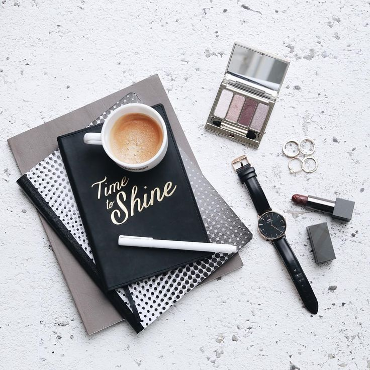 CASSIDY NEVES (@styled_by_seven) • Photos et vidéos Instagram #flatlay #style #photo