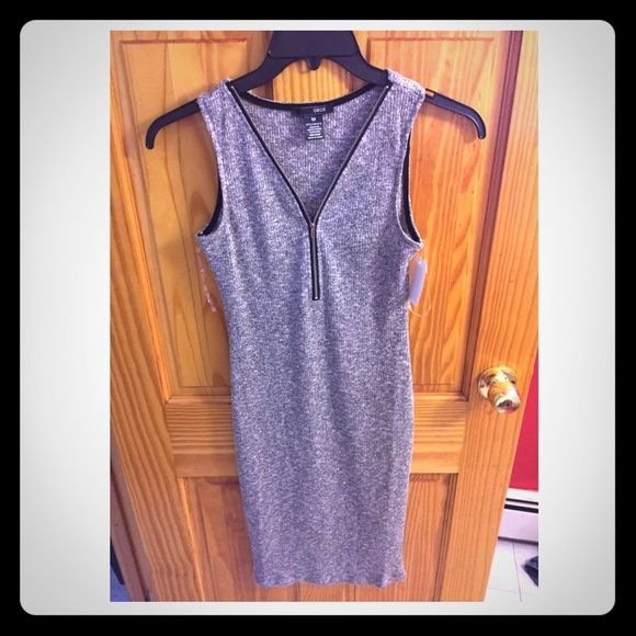 Zipper Bodycon Dress Such a hot dress but its too big for me! Price is negotiable! Dresses