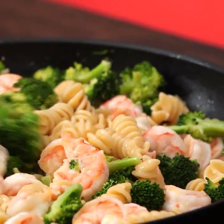 How To Make Shrimp And Broccoli Rotini: Light And Fast Dinner Recipe #healthydinnerrecipesvideos