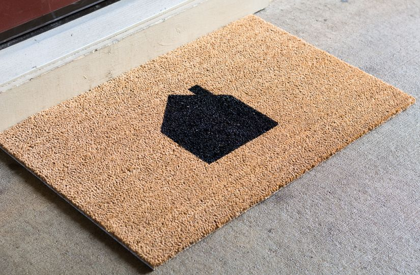 Diy Painted Doormat How To Paint A Coir Doormat Door Mat Door Mat Diy Outdoor Diy Projects
