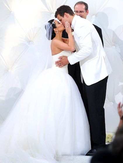 Kim Kardashian S Wedding Album Kardashian Wedding Kim Kardashian Wedding Dress Kim Kardashian Wedding