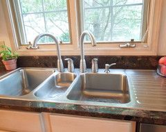 Triple Sink With Two Faucets For A 2 Cook Household With Images