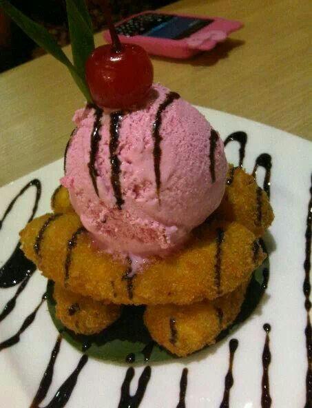 Pisang Goreng Dengan Eskrim Food Indonesian Food Desserts