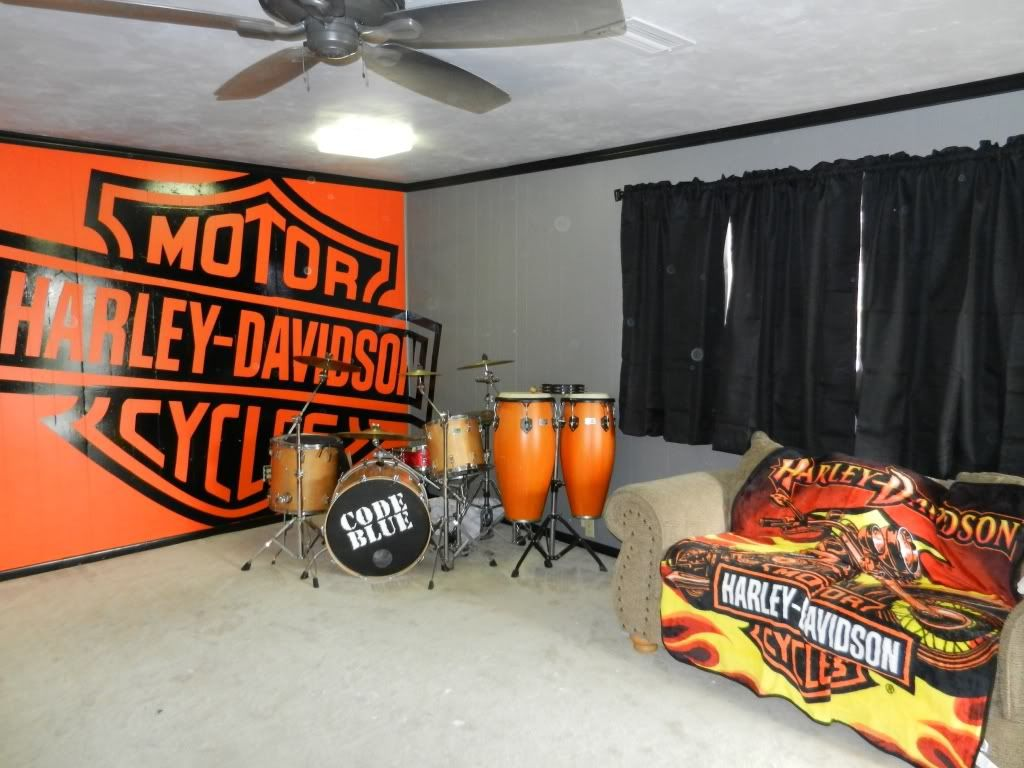harley man cave items harley davidson home decor road glide i love the wall but anything else would just be too much an overpowering great idea for the future harley man cave items