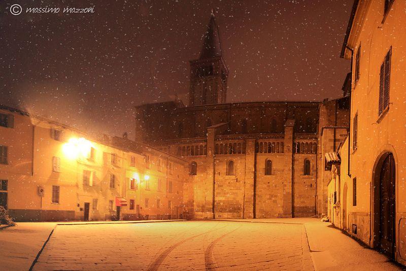 PIACENZA - chiostri del duomo sotto la neve - © Massimo Mazzoni