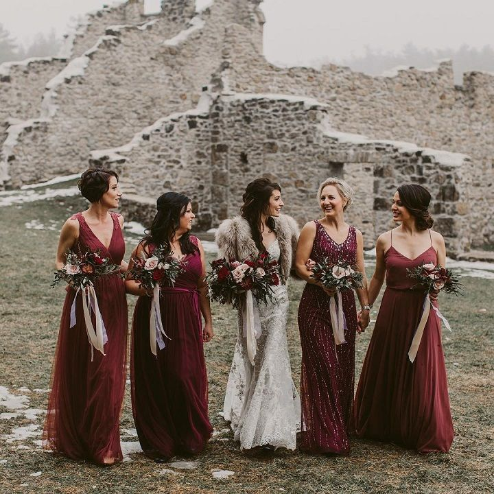 Burgundy bridesmaid dresses #bridesmaid #burgundywedding #burgundybridesmaids